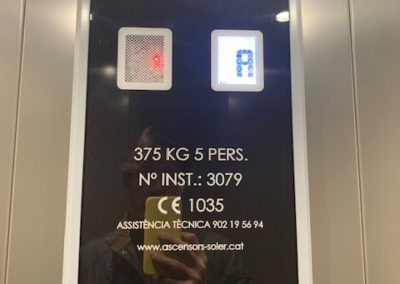 Sustitución de ascensor. Puig Reig 7, Barcelona